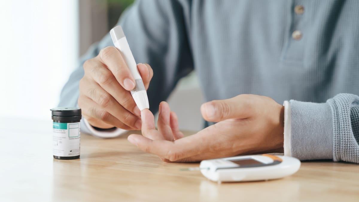 Como o diabetes afeta o metabolismo?
